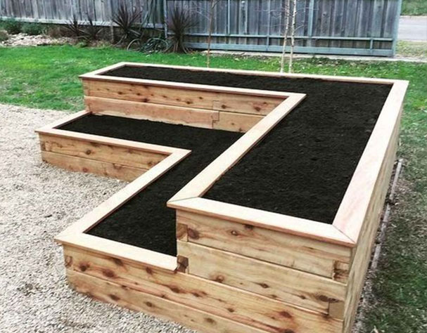 Selecting the Proper Wood for a Raised Garden Bed