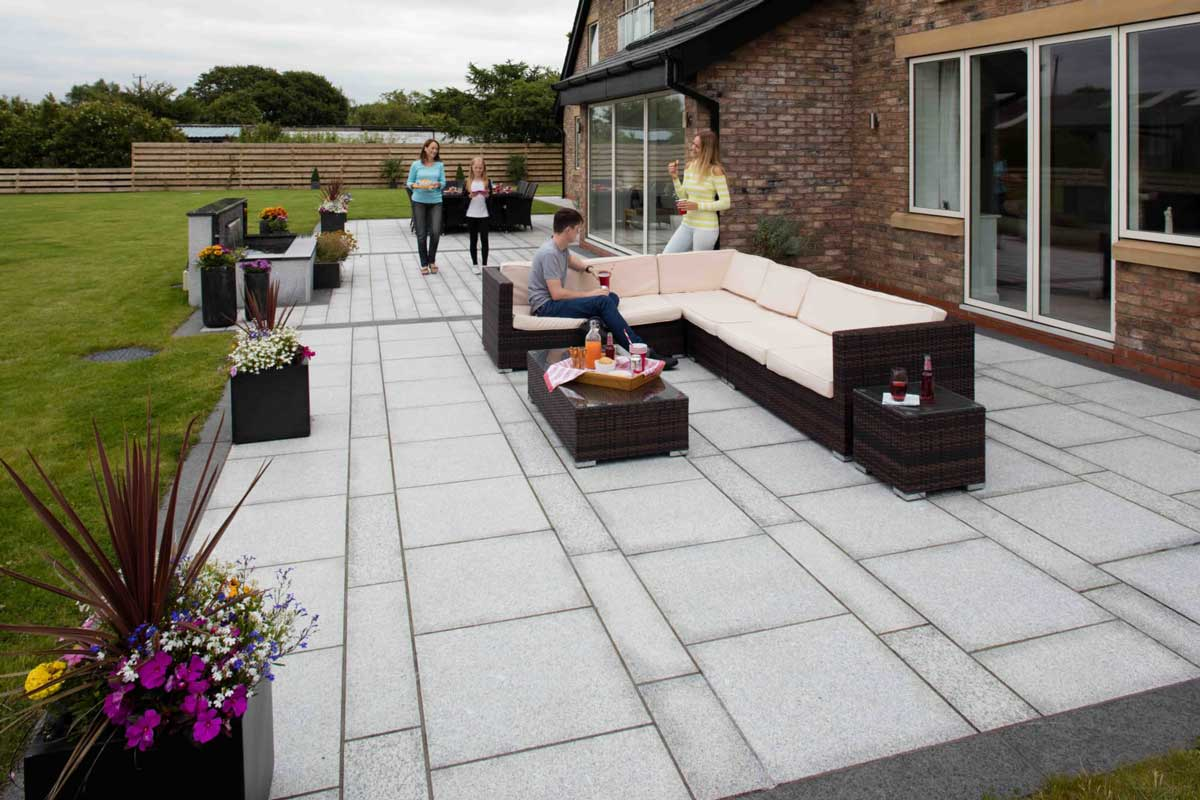 Choosing Granite Pavers for Your Outdoor