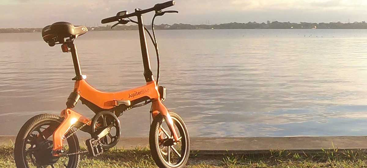Electric Bike vs Moped: Which Is Right for You?