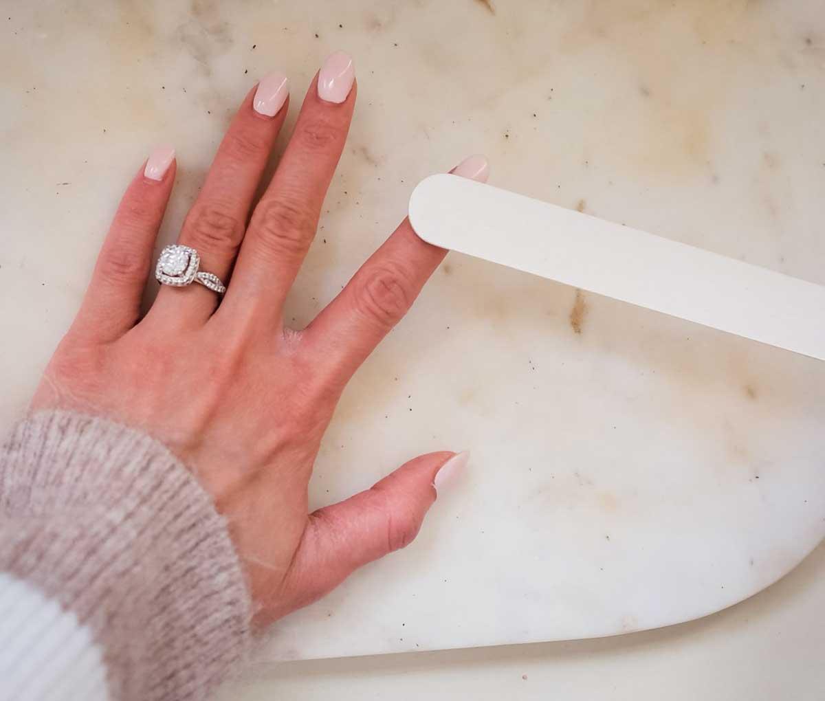 Dip-Powder-Nails-At-Home-16